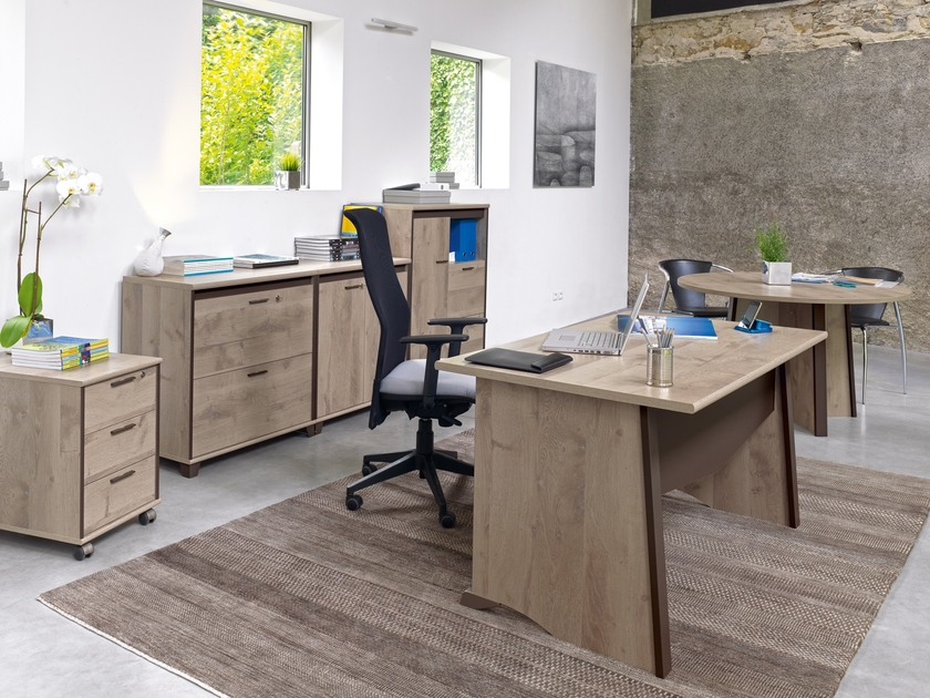 mambo ch ne gris armoire 2 portes mobilier par famille mambo ch ne dordogne. Black Bedroom Furniture Sets. Home Design Ideas