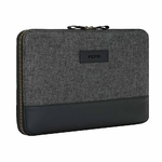 surface-pro-2017-carnaby-essential-sleeve-black-b