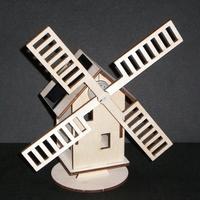Maquette MOULIN solaire en bois