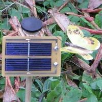 PAPILLON solaire Jaune 7cm Socle incliné