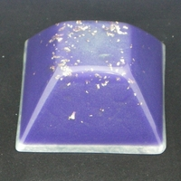 ORGONITE GRANDE PYRAMIDE INCA Violette-blanche