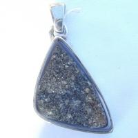Pendentif Argent agathe noire géode forme triangle