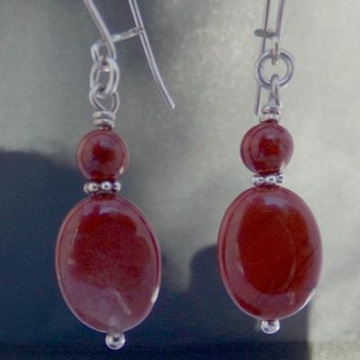 Boucles-Oreilles-jaspe-rouge-monture-argent