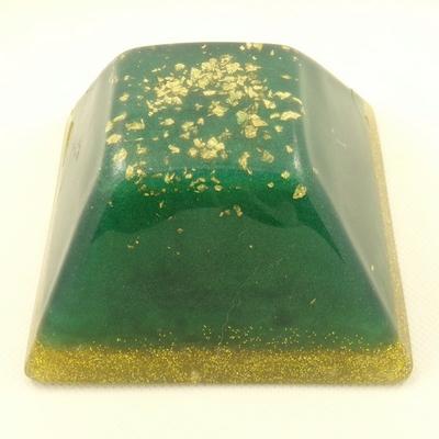 Orgonite-grande-pyramide-inca-vert-émeraude