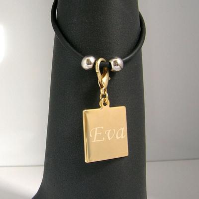 Bracelet gravure forme carre