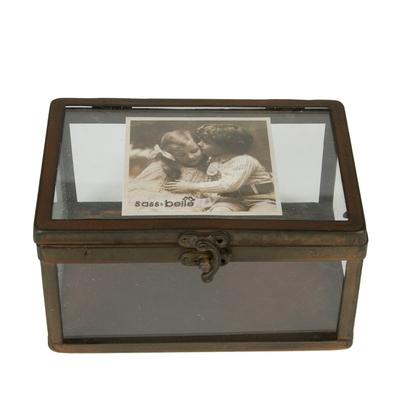 histoire d 39 avant propose une d coration d 39 esprit shabby chic et vintage cadres luminaires. Black Bedroom Furniture Sets. Home Design Ideas
