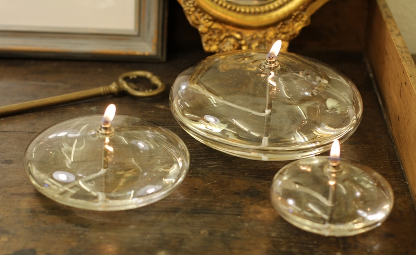 HISTOIRE DAVANT LAMPE A HUILE FORME GALET 100DPI