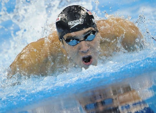 155218-l-americain-michael-phelps-dans-la-finale-du-100-m-papillon-aux-mondiaux-de-natation-a-shanghai-le-31-juillet-2011