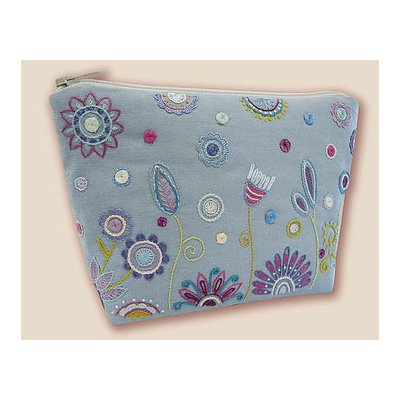 kit-broderie-traditionnelle-trousse-bleue