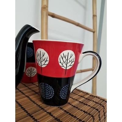 Tasse rouge et noire arbre