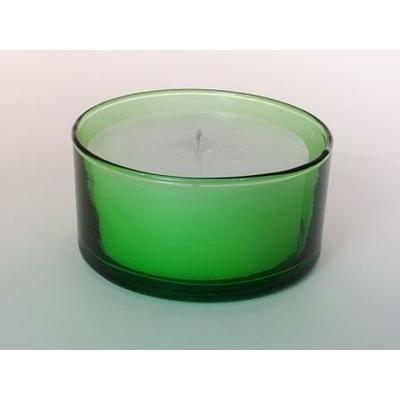 Ramequin vert avec bougie