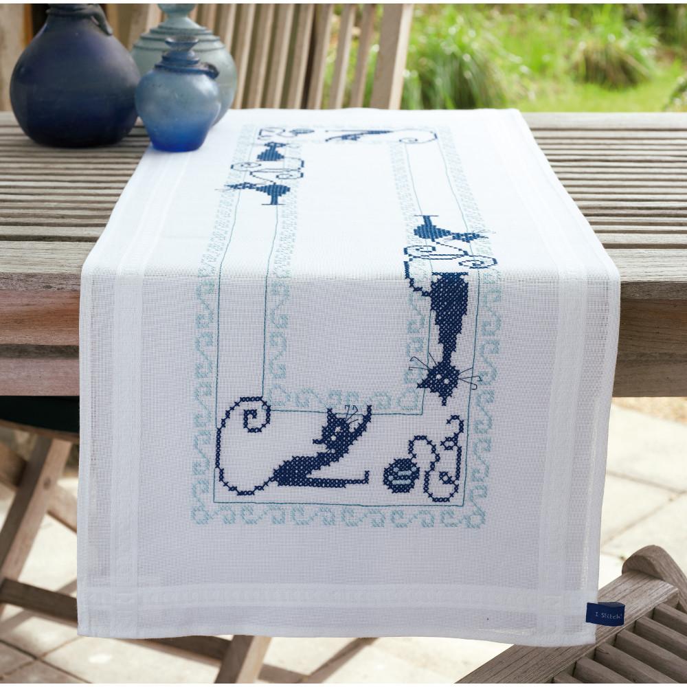 Chemin de table broder chats espi gles vervaco pn 0153899 kits broderie par marque vervaco - Chemin de table lavande ...