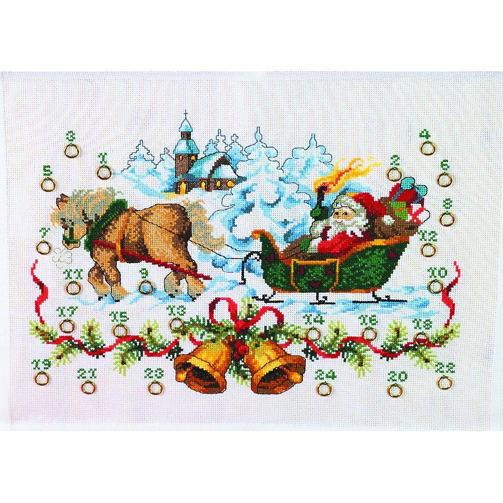 Père Noël à l église  34-0225  Permin