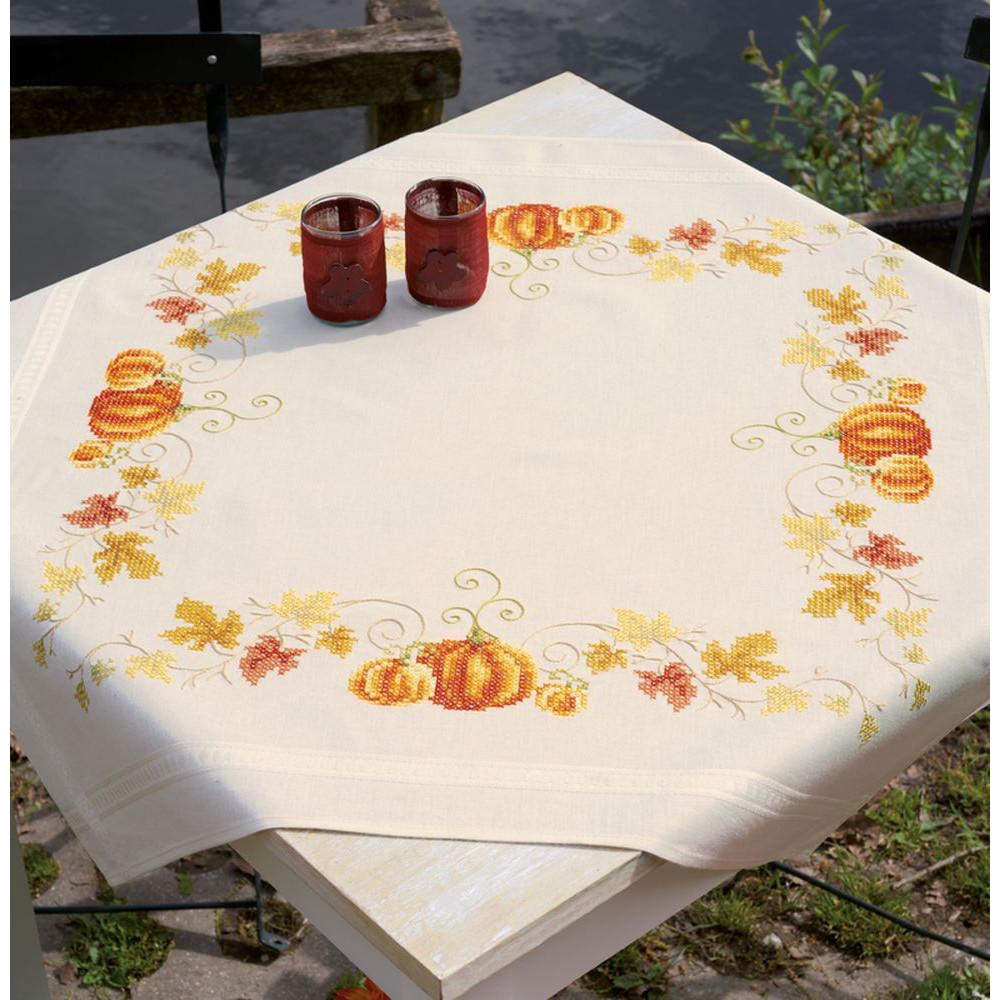 Vervaco 0148447  Chemin de table  Herbes  Oranges et Papillons  Kit Broderie