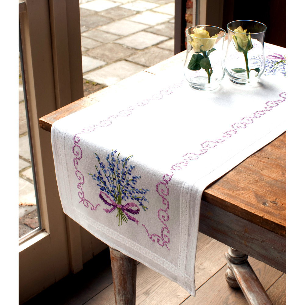 Vervaco chemin de table bouquet de lavande code pn - Chemin de table lavande ...