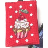 Pochette pour portable  gâteau  19-1693  Permin