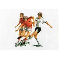 Thea Gouverneur  1001  Football  Lin