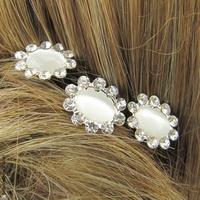 Épingle à chignon strass fleur blanche