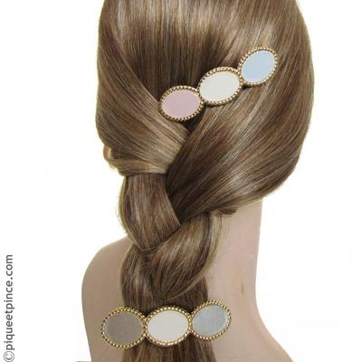 bijoux de cheveux or et pastel clair