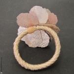 élastique à cheveux pétales argent et rose