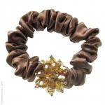 catogan satin chocolat et perles en cristal