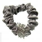catogan satin gris et perles en cristal
