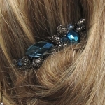peigne pour cheveux bleu métal et pierres
