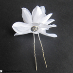 épingle fleur blanche tissu