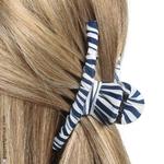 pince à cheveux tissu rayé bleu