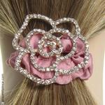 élastique cheveux camélia strass et satin rose poudré