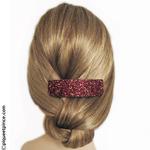 coiffure barrette pailletée rouge foncé