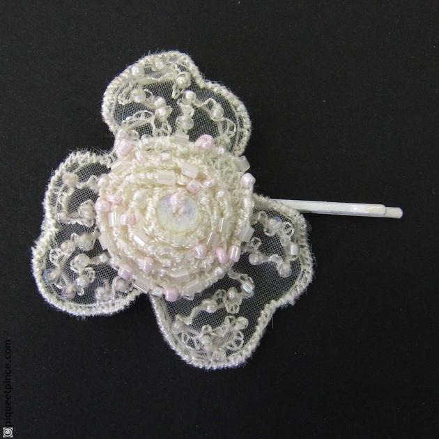 barrette cheveux mariage fleur et perles. Black Bedroom Furniture Sets. Home Design Ideas