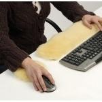 Repose main pour ordinateur en peau de mouton médicalisée mérinos d'Australie