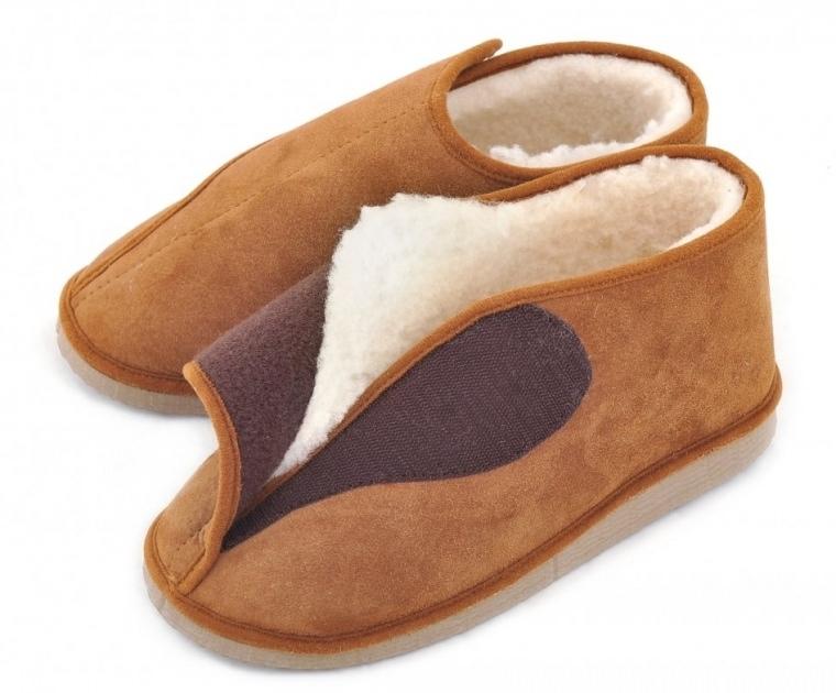chaussons fourr s en peau de mouton avec ouverture large. Black Bedroom Furniture Sets. Home Design Ideas