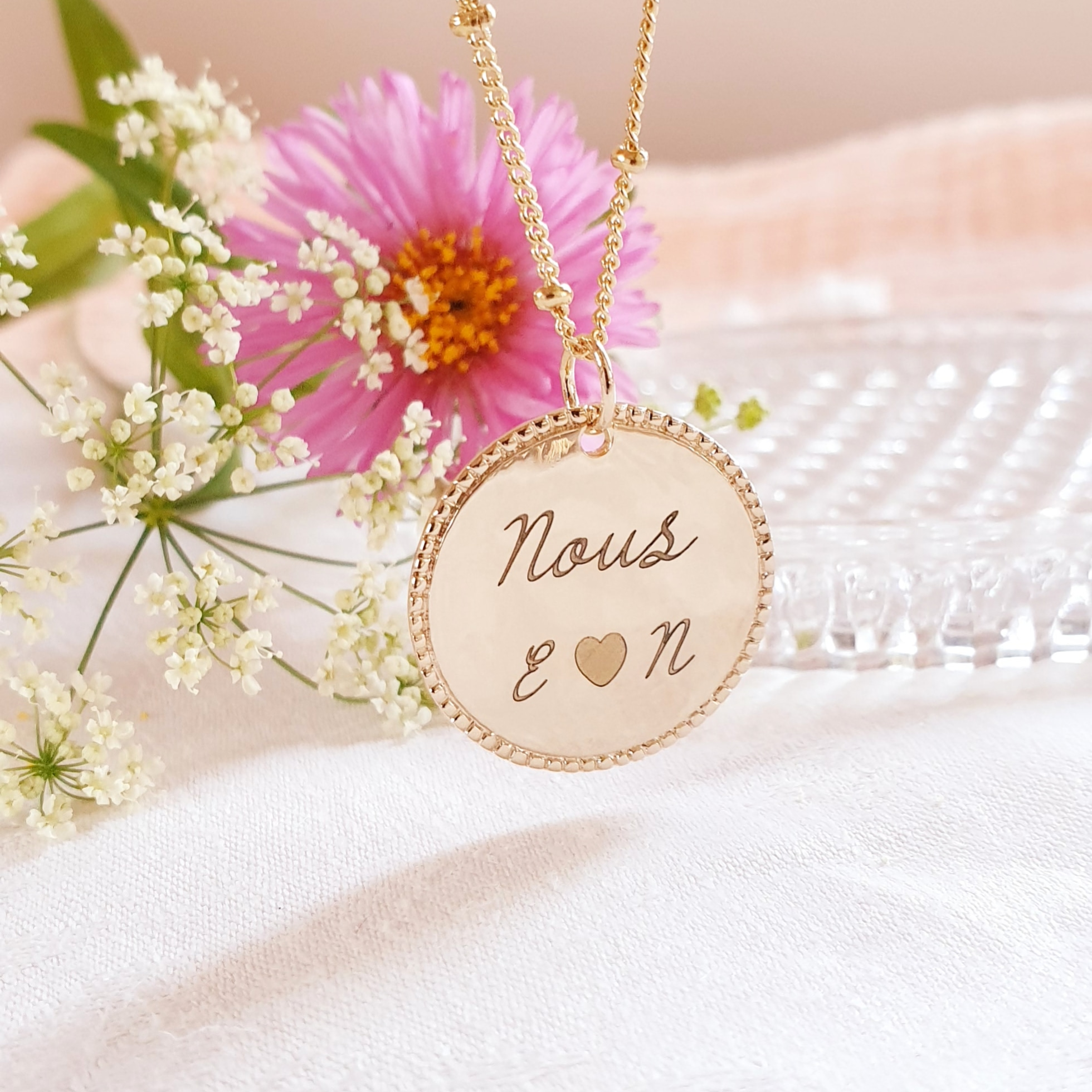 NOUS or/argent