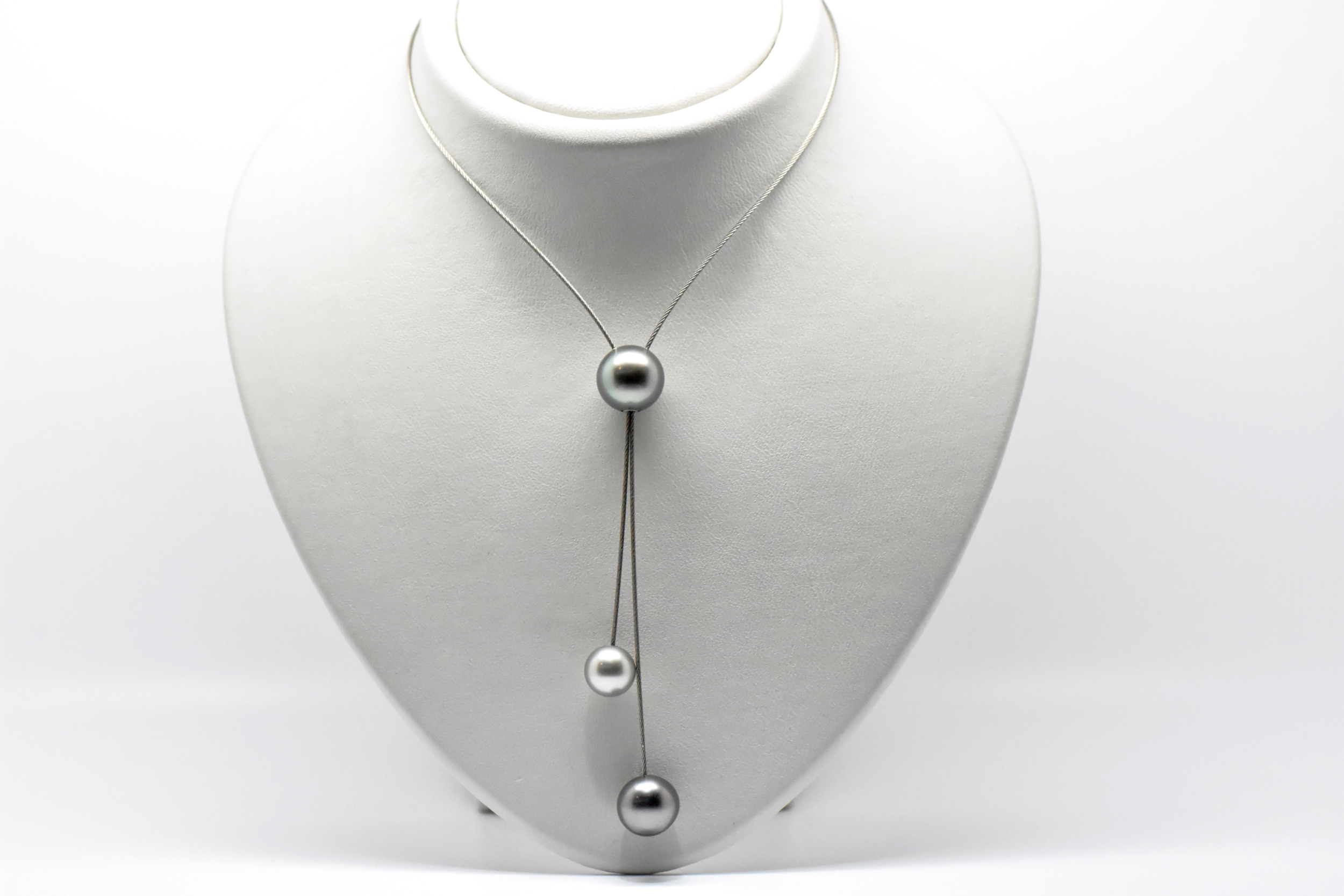 TRIPLET necklace stainless steel sliding wire cable with 3 Tahitian pearls