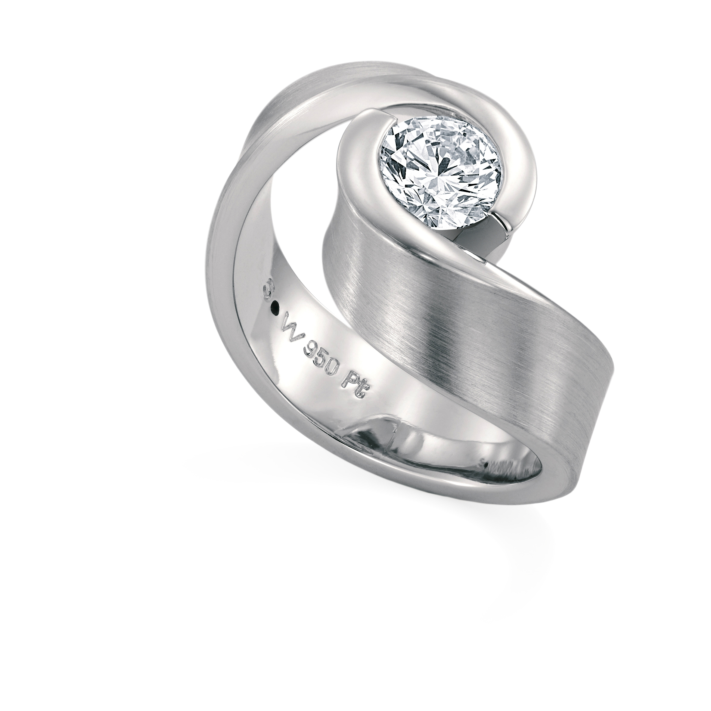 EMBRACE white gold ring set with 1 solitaire diamond