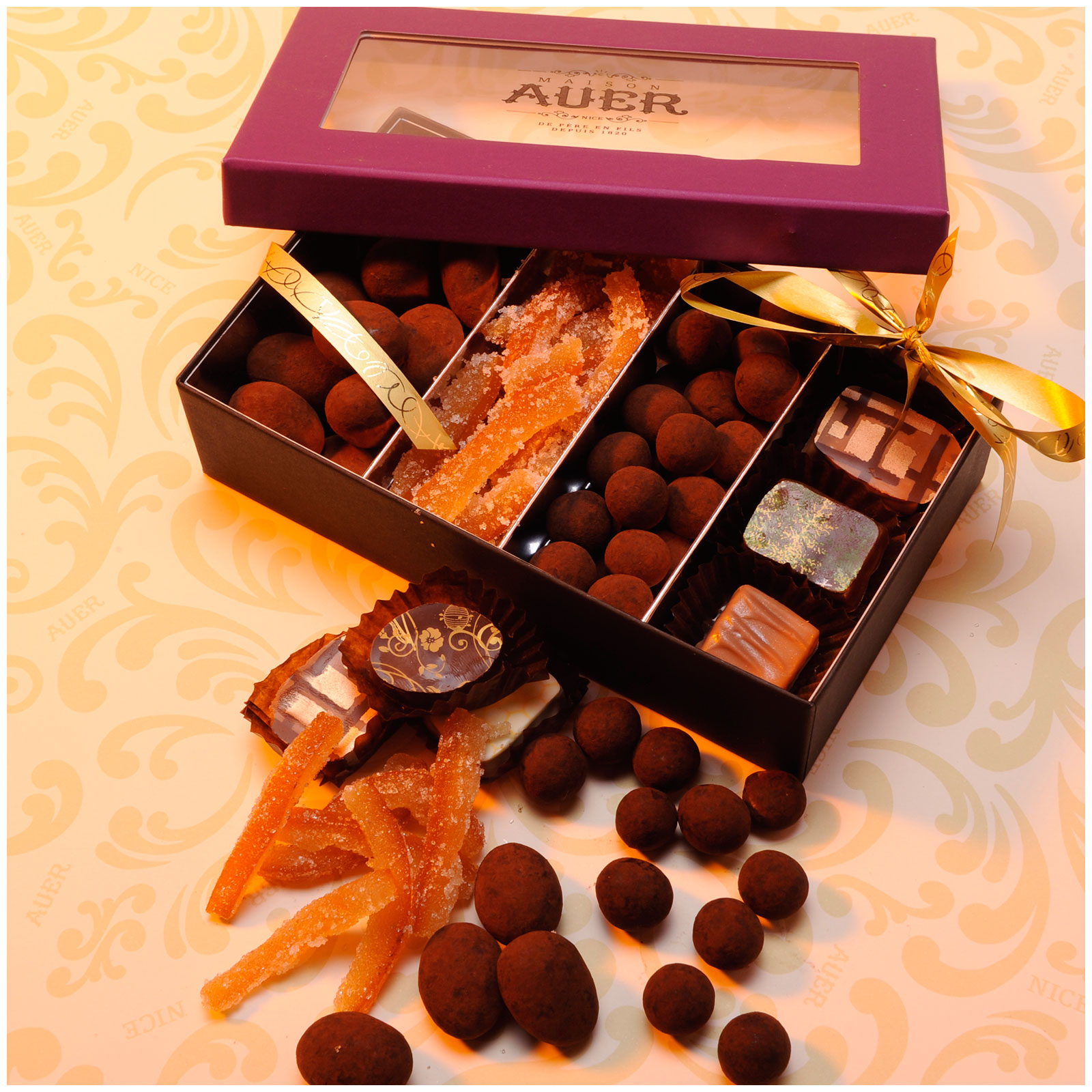 assortiment-fruits-confits-chocolats-cacao-marrons-invitation-T1