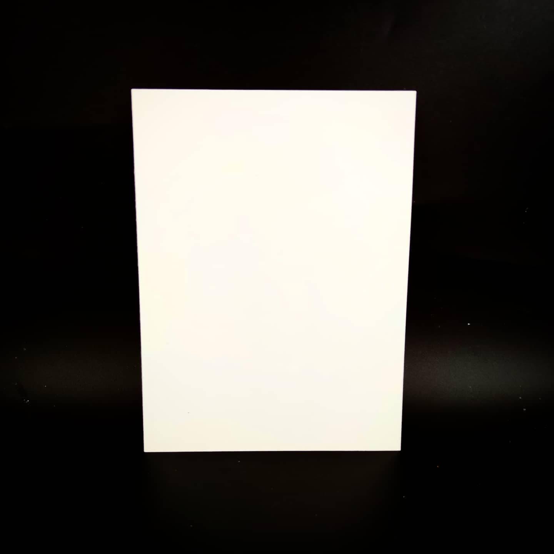 Plaque en métal sur mesure (Moyen blanc)