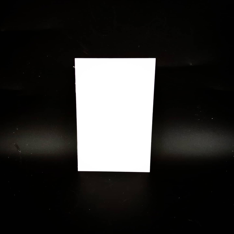 Plaque en métal sur mesure (petit blanc)