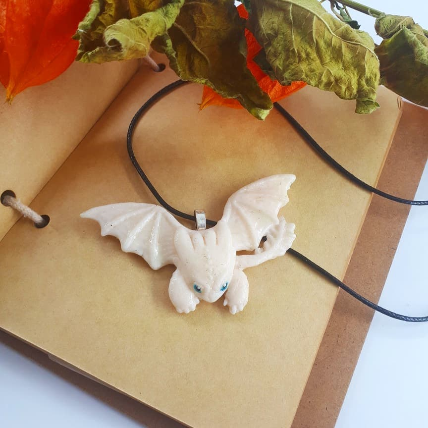 Collier : Dragon blanc