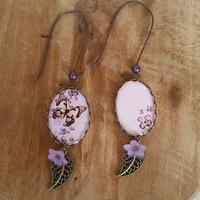Boucles d'oreilles : jolis papillons et violettes