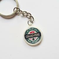 Porte-clés : Grand-père qui déchire.