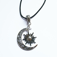 Collier : Soleil et lune