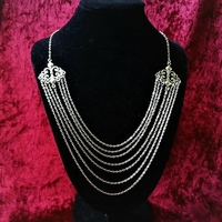 Collier inspiration royal : La Reine guerrière