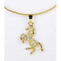 Collier pendentif Cheval cabré doré avec strass et chaîne fine dorée