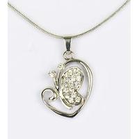 Collier pendentif Coeur Papillon argenté avec strass et chaîne fine argentée