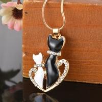 Collier pendentif Chat chaton doré avec strass et chaîne fine dorée