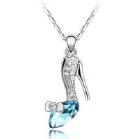 Collier pendentif Soulier de cendrillon argenté avec strass cristal et chaîne fine argentée