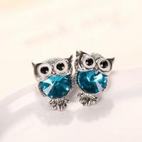 Boucles d'oreilles Chouettes coloris argentée et bleu (clous)